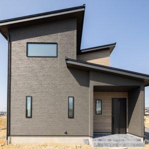 土岐市|M様邸|新築・注文住宅|モノトーンを基調とした大きな吹き抜けのある家