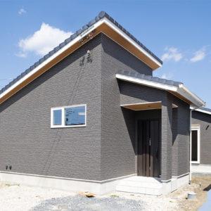 多治見市|H様邸|新築・注文住宅|勾配天井と化粧梁が印象的な平屋の家
