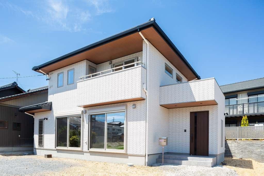 瑞浪市寺河戸町|新築・注文住宅|外壁全面タイル貼りの家 施工実例を追加致しました