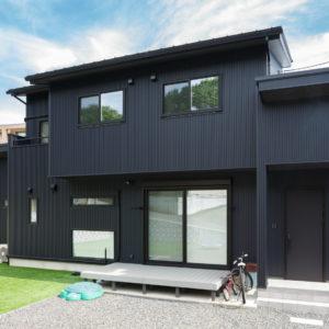 多治見市虎渓山町|S様邸|新築・注文住宅|ムク床とアイアン手摺りのある家