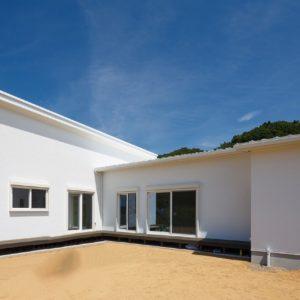 瑞浪市土岐町|S様邸|新築・注文住宅|玄関とリビングがつながるL字型の家