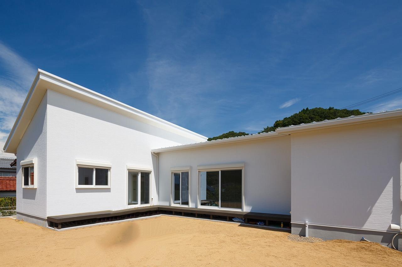瑞浪市土岐町|S様邸|新築・注文住宅|玄関とリビングがつながるコの字型の家